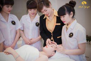 Ngành nghề liên quan đến lĩnh vực chăm sóc sắc đẹp đang là mảnh đất hứa cho nhiều người yêu thích và đam mê lĩnh vực này