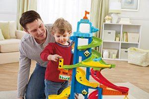 Hướng dẫn và cùng chơi với trẻ giúp bạn và bé gắn kết hơn