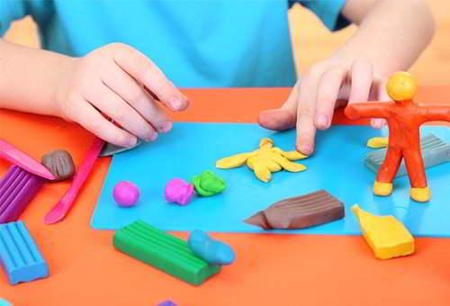 Đồ chơi giáo dục giúp trẻ phát triển tư duy logic và óc sáng tạo
