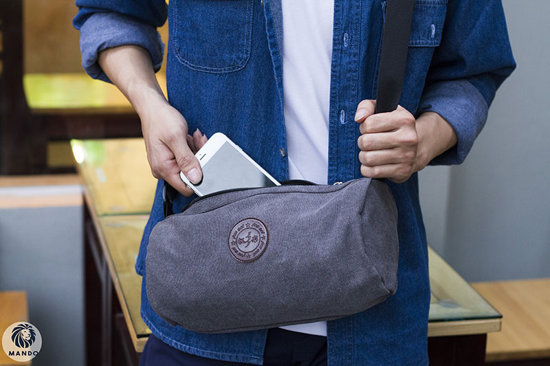 Túi đeo chéo nam - món đồ thể hiện phong cách và cá tính phái mạnh