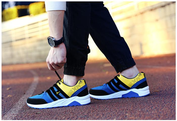 Màu sắc là một trong những tiêu chí quan trọng mà người mua giày cần phải quan tâm