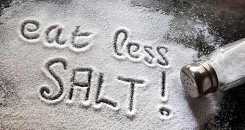 Hạn chế dùng các món ăn chứa nhiều muối