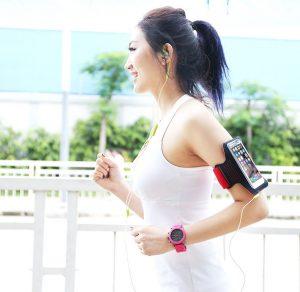 Túi đeo tay chống nước cho điện thoại giúp bạn duy trì kết nối với mọi người ngay cả khi luyện tập