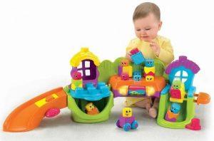 Đồ chơi xếp hình là loại đồ chơi giúp bé phát triển một cách toàn diện về trí tuệ và kĩ năng