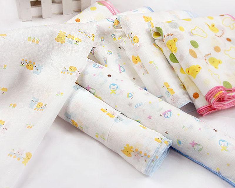 Khăn xô, khăn sữa thường có màu trắng hoặc có in các họa tiết đáng yêu.