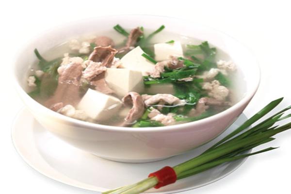 Một số món ăn đơn giản,dễ làm chữa xuất tinh sớm từ lá hẹ